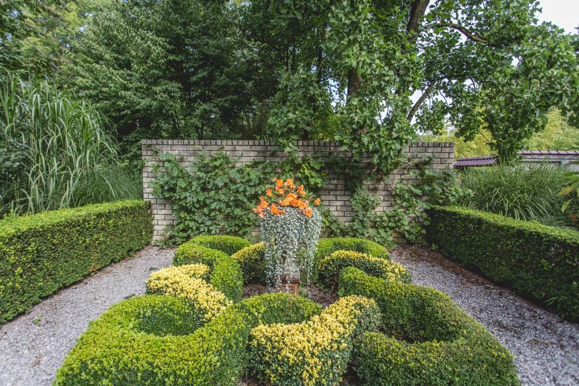 Knotting Garden - Knooptuin