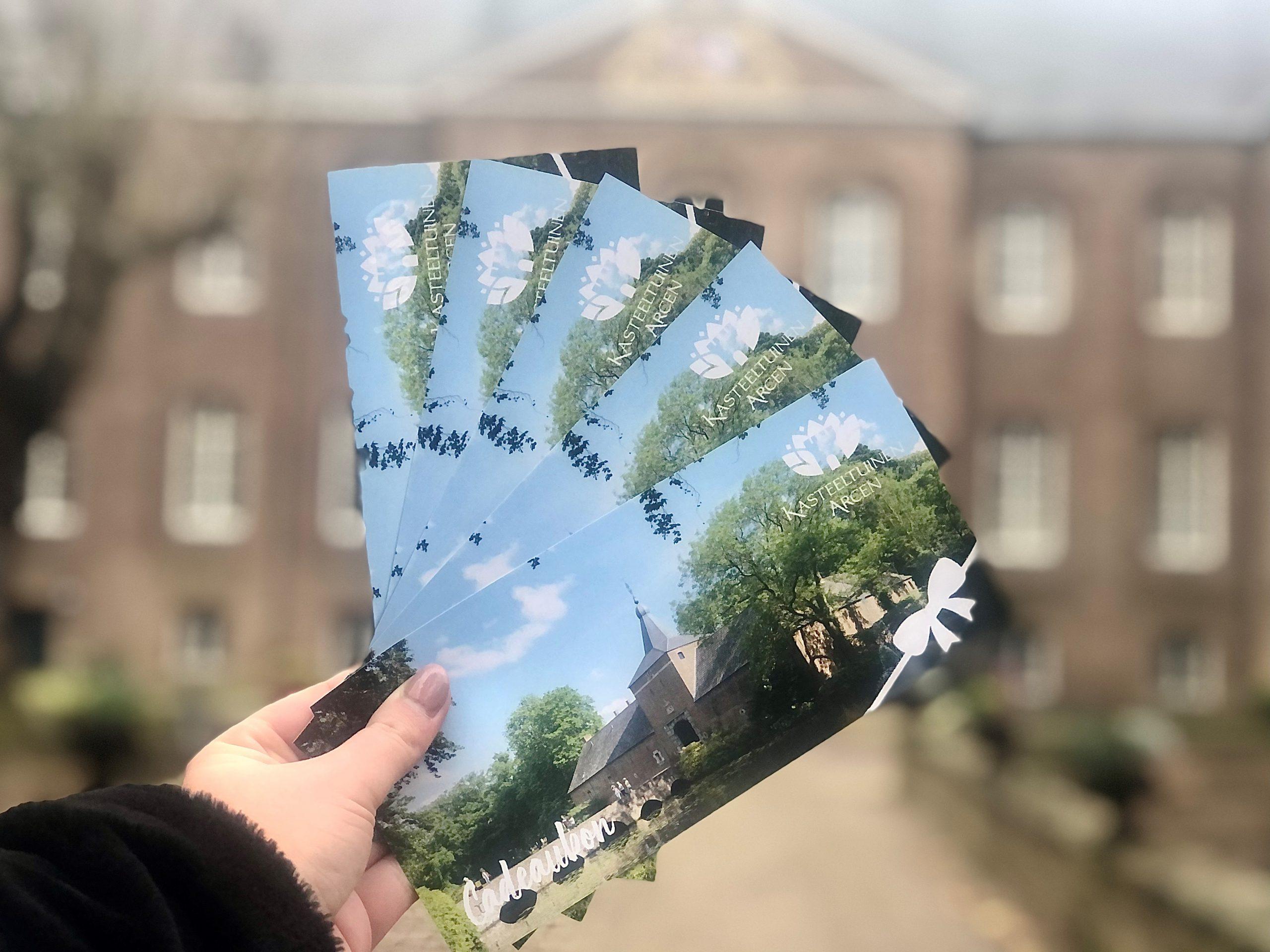Verschenken Sie einen oder mehrere Besuche in den Schlossgärten Arcen!