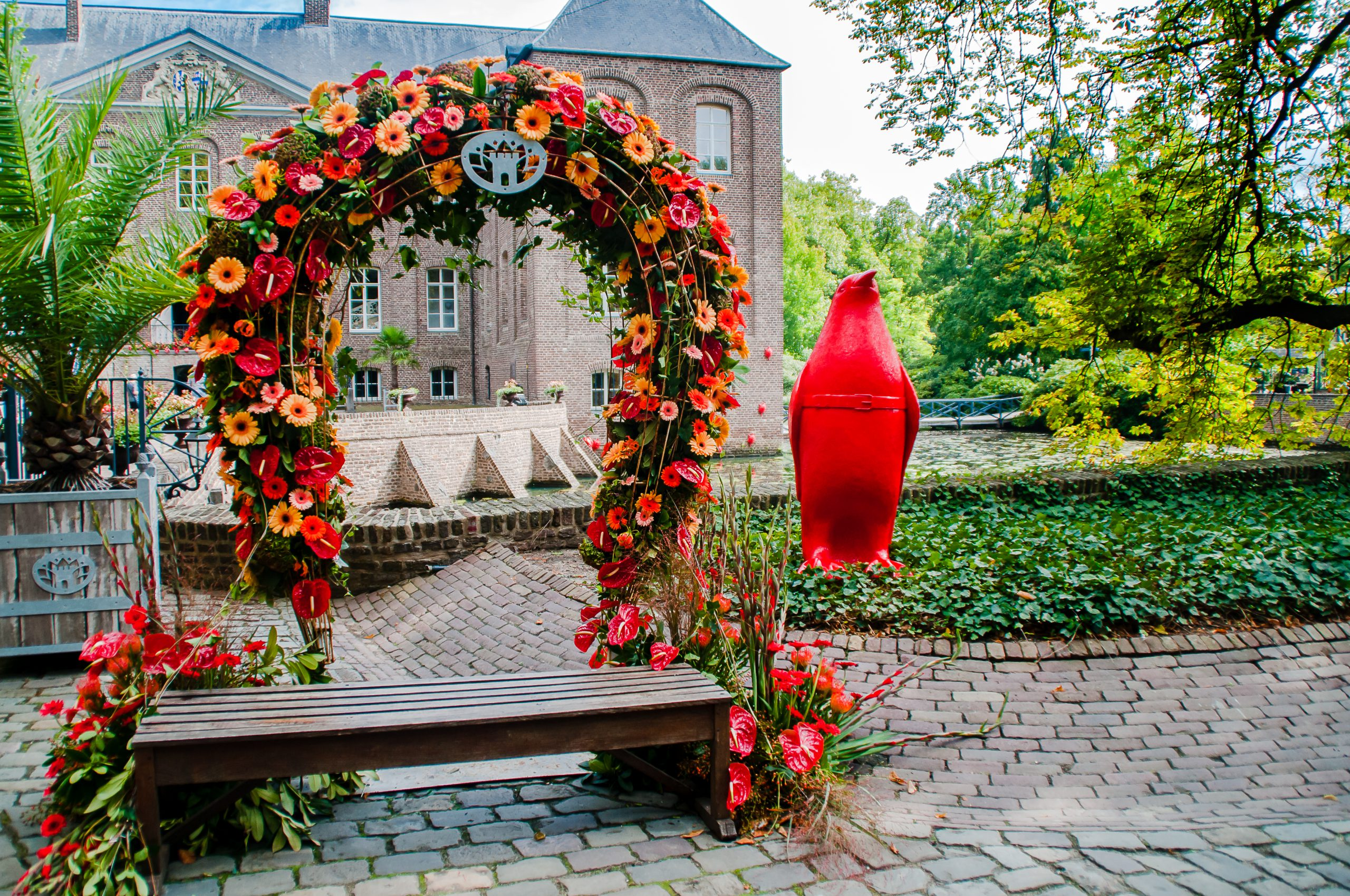 Blumenkunstwerke beim Blumenfestival 'Blumig!'